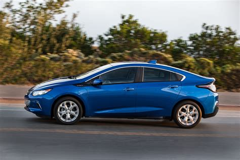 2018 Chevrolet Volt Plugin Hybrid Carries Over With Few