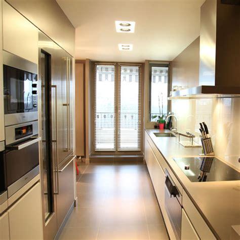 teissa cuisine une cuisine couloir très design inspiration cuisine
