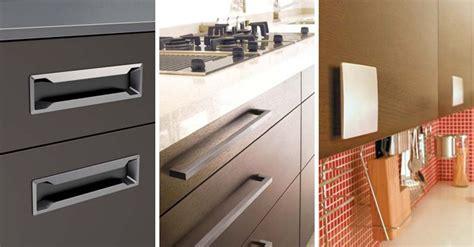 pomos  tiradores  puertas de cocina como elegir
