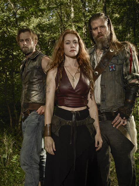 ryan hurst  gillian alexy talk wgn americas outsiders