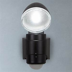 Led Spots Mit Batterie : buy saxby laryn led battery operated outdoor spotlight with pir black john lewis ~ Frokenaadalensverden.com Haus und Dekorationen