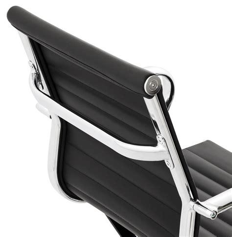 bureau design noir fauteuil de bureau design mega en similicuir noir
