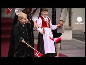 Norway celebrates Constitution Day - YouTube