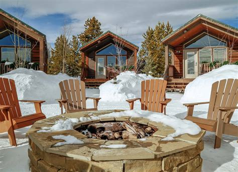 Yellowstone Cabin by Yellowstone Lodging Hotels Cabins Visit Yellowstone Park
