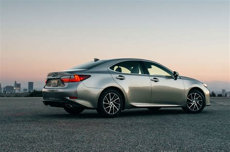 lexus es 2016 2016 lexus es350 reviews and rating motor trend