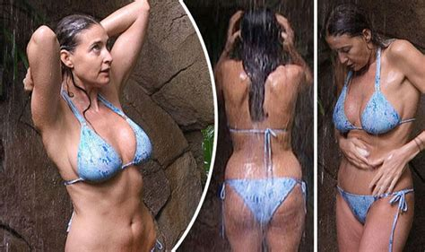 celebrity news yesterday i m a celebrity 2016 lisa snowdon flaunts le assets
