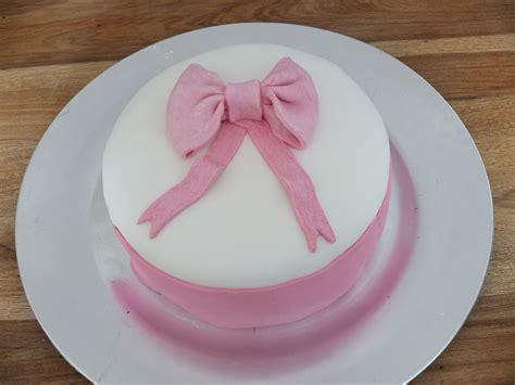 gateau fille pate a sucre gateau en p 226 te 224 sucre pour les filles mysweetshop p 226 tisserie et cake design