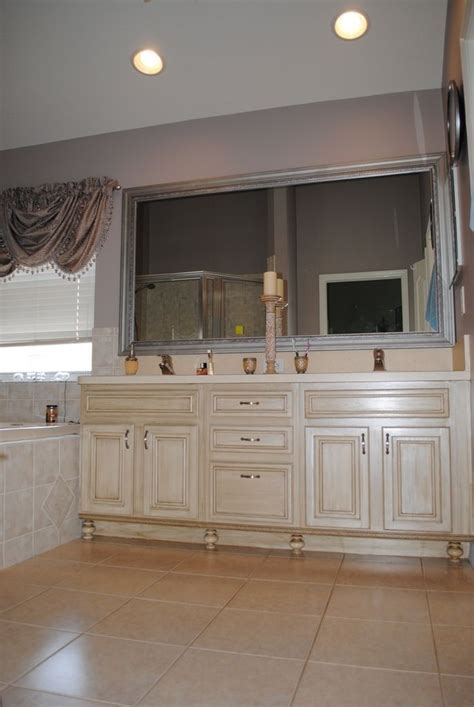 rustoleum quilters white  glaze cabinet