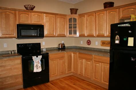 oak kitchen cabinets and wall color hardware for oak kitchen cabinets greenvirals style 8966