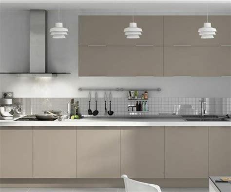 meuble de cuisine moderne cuisine taupe 51 suggestions charmantes et très tendance