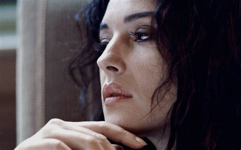 Monica Bellucci HD Wallpaper ·①