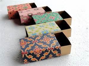 Alibaba China Paper box factory wholesale small paper mache suitcase small thin paper box