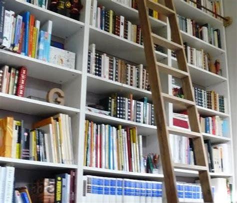 bureau etageres une échelle de bibliothèque billy bidouilles ikea