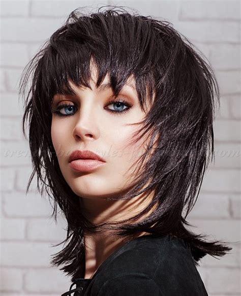 medium length hairstyles clavi cut lob black shaggy hairstyle for medium length hair 1