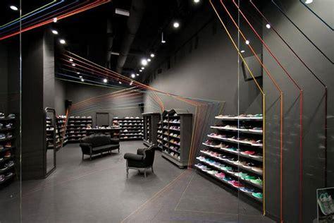 run colors concept store  modelina