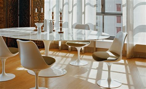 tavoli knoll saarinen dining table arabescato marble hivemodern