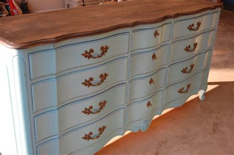 dos donts painting furniture  chalk paint milk