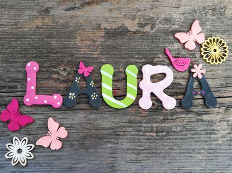 Holzbuchstaben Kinderzimmer Mädchen by Holzbuchstaben Kinderzimmer Vogelhaus Zur Hochzeit