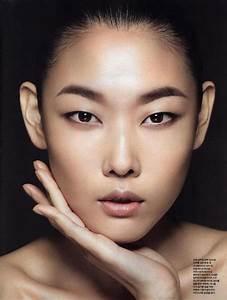 Apply eyeshadow on asian eyes