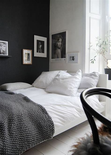 accent black wall  bedroom home decorating trends