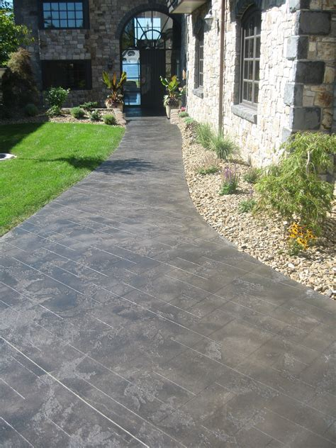Residential Sidewalk & Walkway Epoxy Coating   CNY