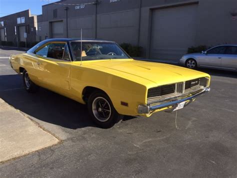 Dodge Charger Hardtop 1969 Yellow For Sale. XP29G9B398696