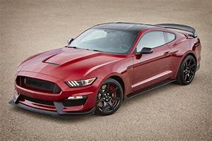 2017 Shelby GT350 Gets New Colors and Features