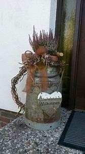 Steine Vor Der Haustür : herbst vor der haust r mit alter milchkanne bizbasz ~ A.2002-acura-tl-radio.info Haus und Dekorationen