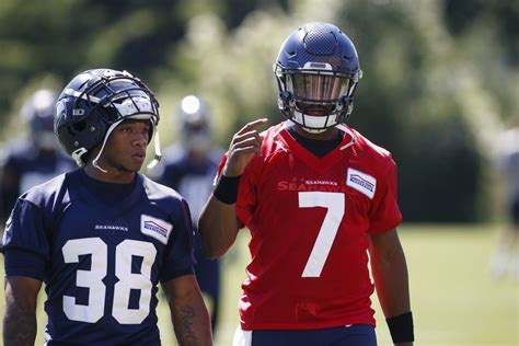release candidates seahawks qbs geno smith paxton lynch