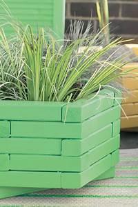 Peinture Sur Bois Exterieur : repeindre jardini re en bois en vert et jaune peinture bois ext rieur ~ Melissatoandfro.com Idées de Décoration