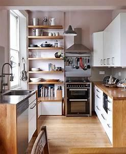 1001 idee per cucine moderne piccole soluzioni di design for Cucine con mensole legno