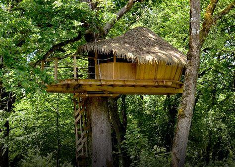 maison en bois dans les arbres d 233 couvrez nos diff 233 rentes cabanes franche comt 233