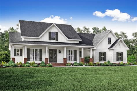 farmhouse plan 3 bedrm 2466 sq ft country house plan 142 1166