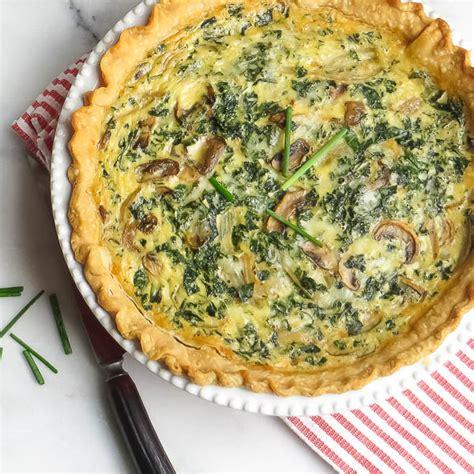 Tartë me spinaq dhe djathë kaçkavall, receta që do ju bëjë ...