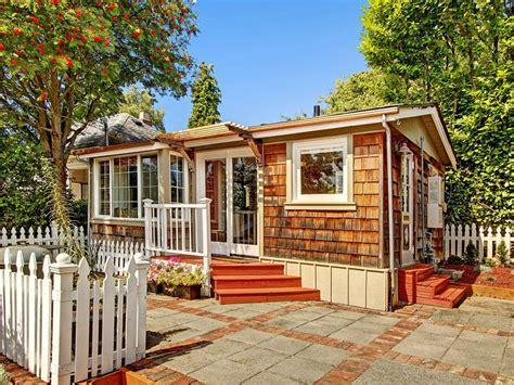 ballard cottage