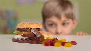 Kids targeted by junk food ads, call for government ...