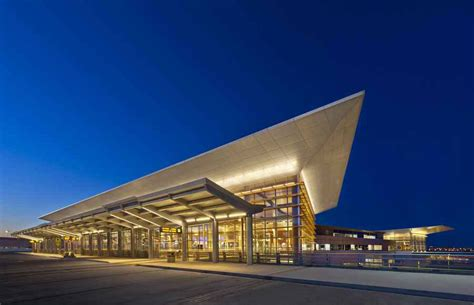 winnipeg airport composite aluminum cladding