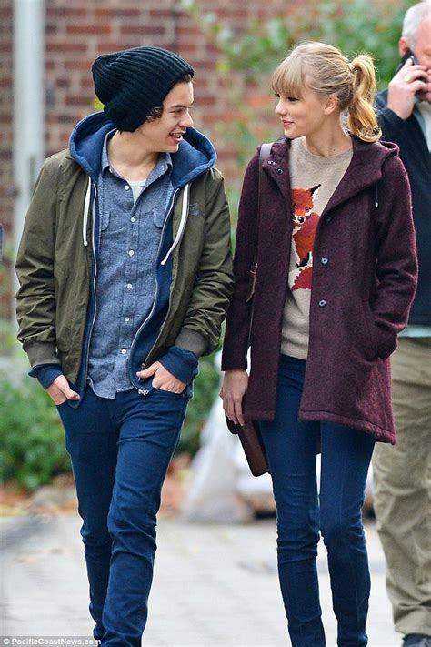 Harry Styles is introduced to Gigi Hadid on AMAs red ...