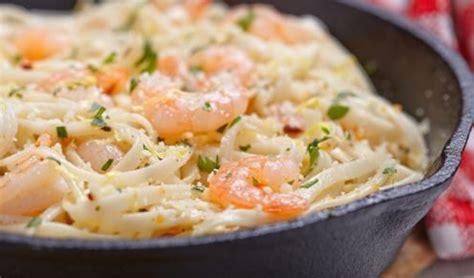 pate aux crevettes et ail recette spaghetti aux crevettes et beurre 224 l ail livinvia