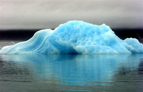 alaska glaciers losing  billion tons  ice  year