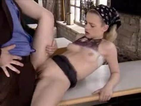 Straight Tutor Outdoor Cams Bar Gal Fucks Her Maid In The College