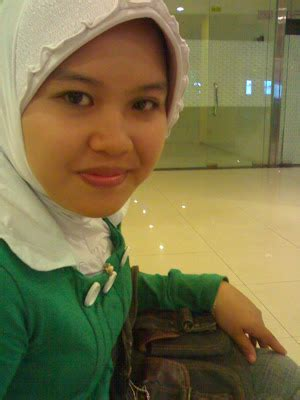 mouly cindo  foto sarah  rahma azhari mandi