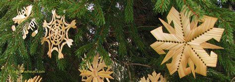 Lithuanian Straw Christmas Tree Ornaments