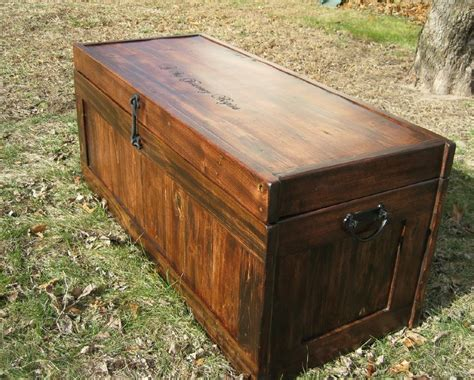cedar hope chest  reclaimed wood  knotcurser