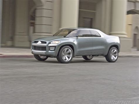 Mitsubishi Sport Truck Concept High Resolution Image 4 Of 12