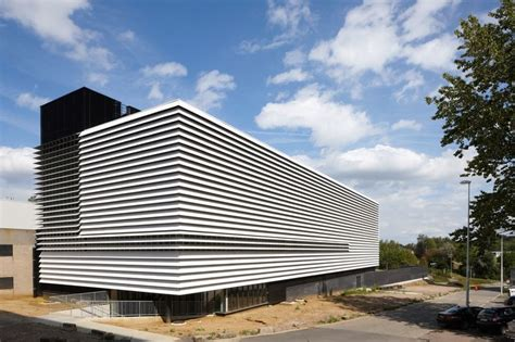 17 Best Ideas About Facade Architecture On Pinterest