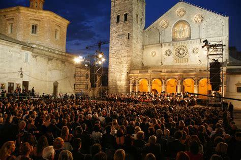 spoleto festival opens italy magazine