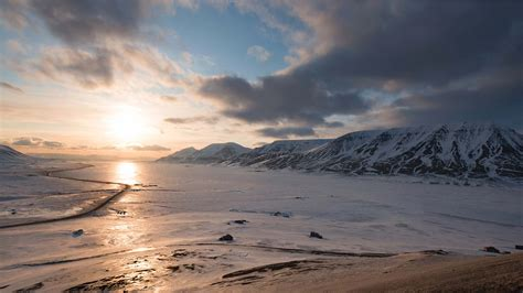 Expedition Voyage Around Spitsbergen in Depth - 13 Days 12 ...