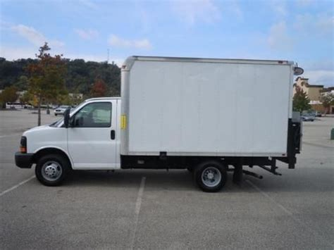 automobile air conditioning service 2008 chevrolet express 3500 electronic throttle control sell used chevrolet 04 full size van mobile office desk or cargo v6 clean white 8dr rare in bel