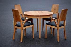 Stühle Aus Holz : holz esstisch mit gepolsterten st hlen m belideen ~ Lateststills.com Haus und Dekorationen